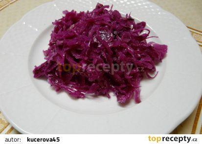 Zelný salát z červeného nebo bílého zelí recept - TopRecepty.cz