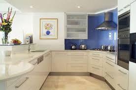 Resultado de imagem para cozinhas com paredes de vidro
