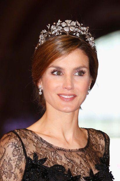 Royaler Schmuck: Prinzessin Letizia trägt zum Dinner am Vorabend der ...