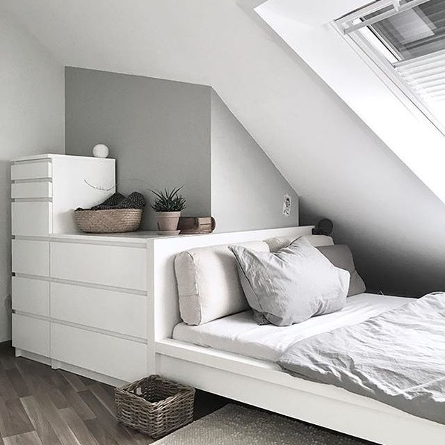 Minimalismus in Weiß und Grau #zuhausebei @simpli…