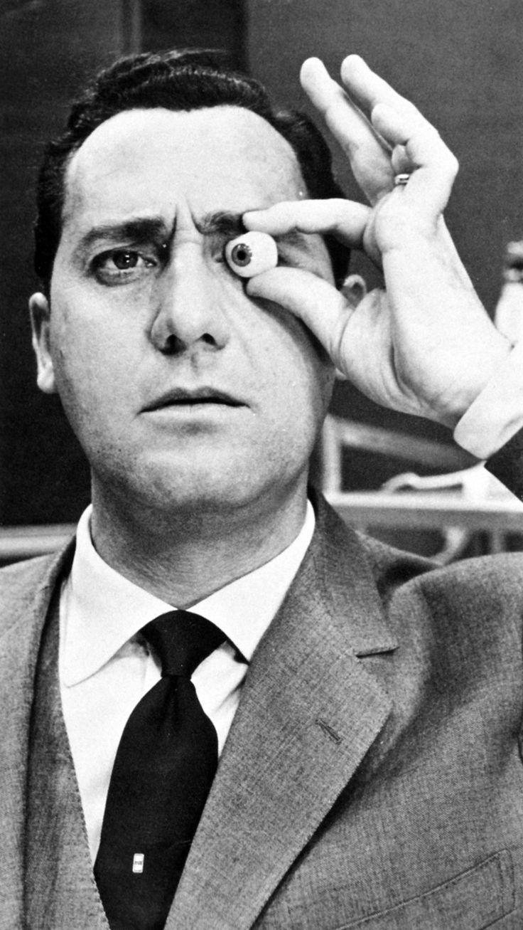 The inimitable Alberto Sordi.