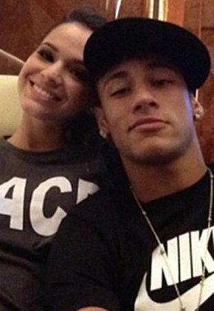Bruna Marquezine e Neymar passam a noite juntos em hotel de luxo, diz jornal | Notas Celebridades - Yahoo Celebridades Brasil