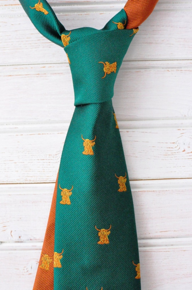 Club green tie