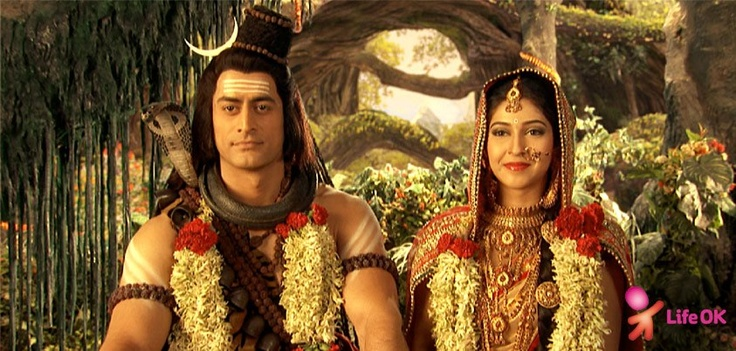Mahadev and Parvati recreate the magic of their marriage once again!
