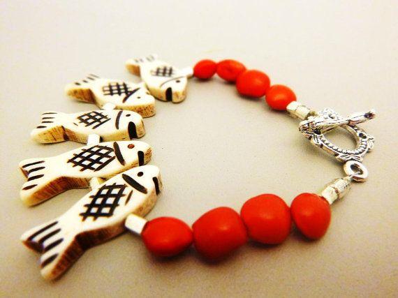 Les poissons osseux et bracelet de perles de par BanjuArtStudio
