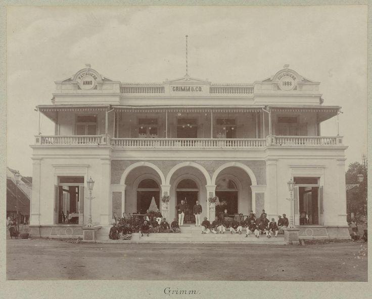 grimm's patiserrie in Surabaya, at Pasar Besar, ca 1880's