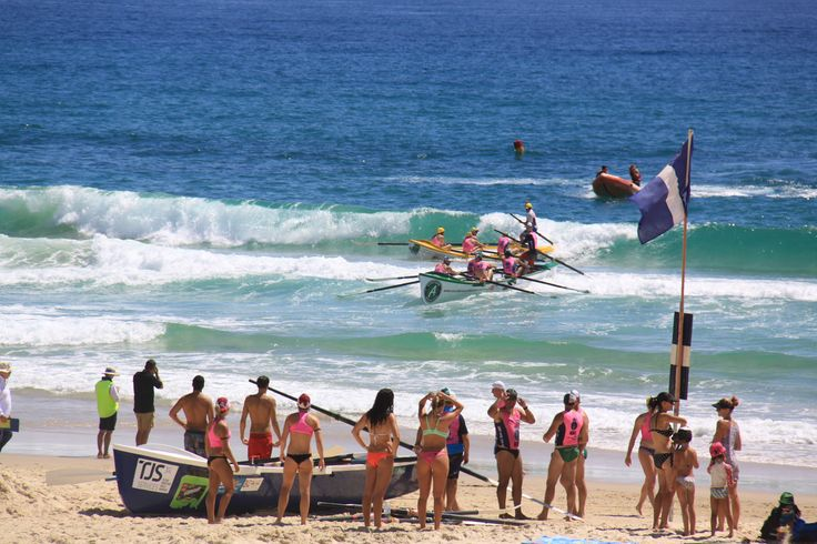 Good luck to all the surf boat crews competing in tomorrow's Staminade Quenchers qualifiers at Tugun on the Gold Coast. One men's and one women's crew will be selected to represent Staminade at the Ocean Thunder Surf Boat Series Round 3.   #staminade #staminadequenchers #goldcoast #surfboatrowing #oceanthunder #australian   Photo from last year's Round 3 qualifier at Tugun.