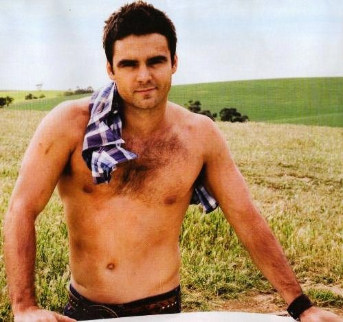 """Dustin Clare. Loved him in """"Mclouds Daughters"""". And I like that he wasn´t extremely toned but a bit more natural."""