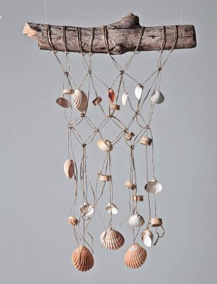 shells with holes + macrame twine = wind chime-like weaving