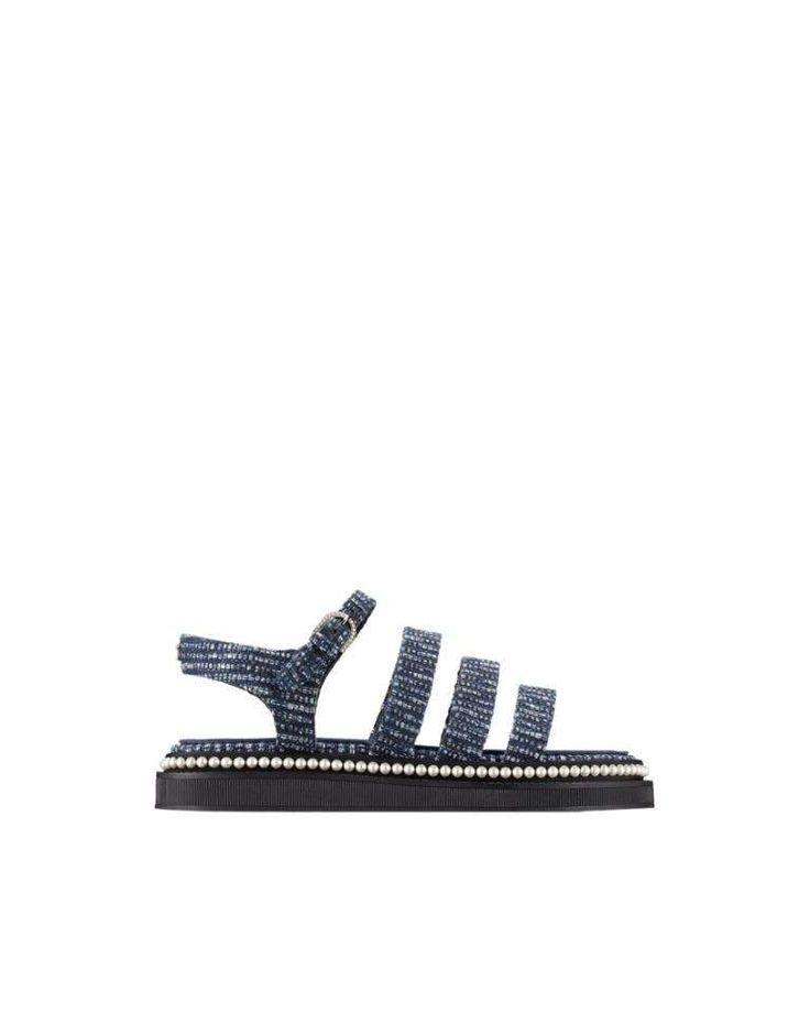 07b1ad5b78793 Collezione scarpe Chanel Primavera Estate 2017 - Sandali in tweed Chanel