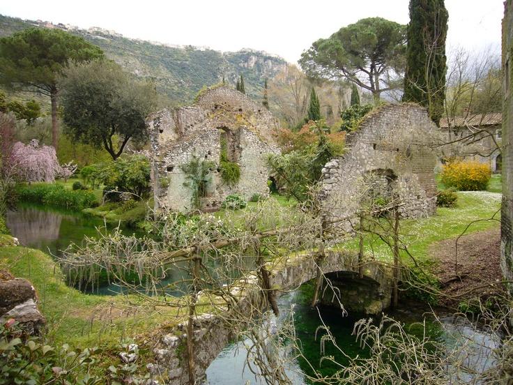 21 best oasi di ninfa images on pinterest secret gardens beautiful places and bella italia - I giardini di alice latina lt ...