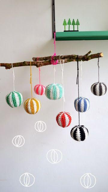 ingthings: Holiday/Christmas Balls Garland DIY #make #craft #crochet #kids #decor #gifts
