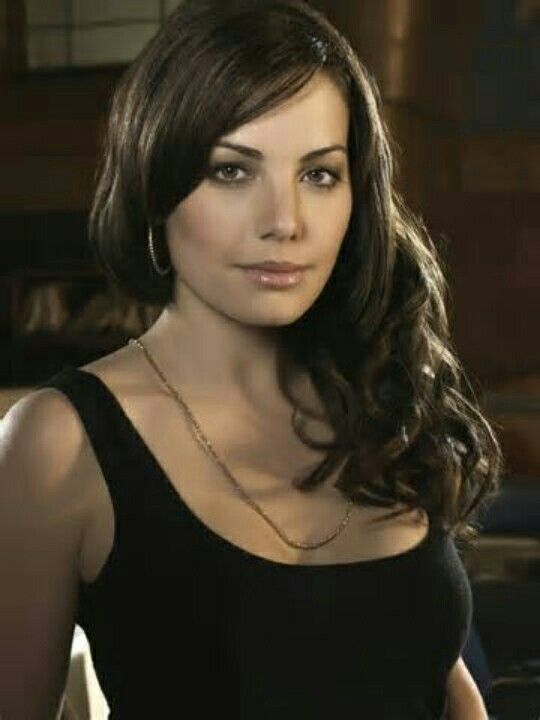 Lois Lane - AKA Erica Durance {Smallville Red Cape} ®... #{T.R.L.}
