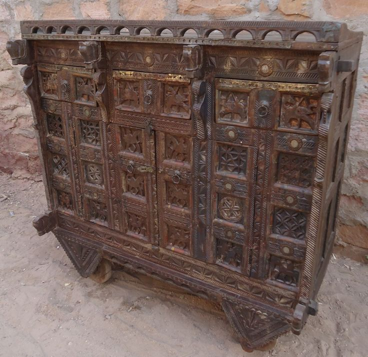 Antique Indian Damchiya With Three Drawer. Heritage on Wheels.