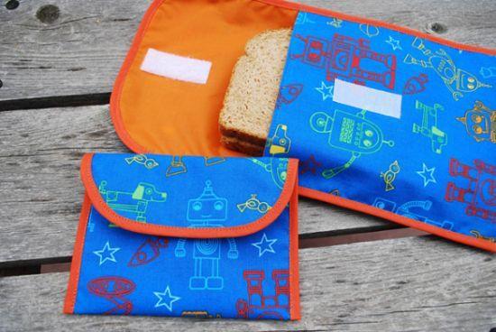 Sua bolsa vai ficar mais organizada e seu horário de intervalo muito mais charmoso com este porta-sanduíche de tecido que é muito fácil de ser feito (Foto: merrimentdesign.com)