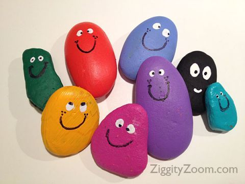 Kids Art Projects with Rocks ... make these adorable Rock Buddies to trade with friends ... even name them ... a perfect Tween girl art & craft project ... great for a Camp craft or Girl Scout project. | Ziggity Zoom