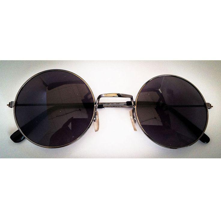 Hippie Brille John Lennon Sonnenbrille Flower Power 60er 70er Peace - schwarz in Feierlichkeiten / Anlässe   • Karneval Fasching Party • Brillen