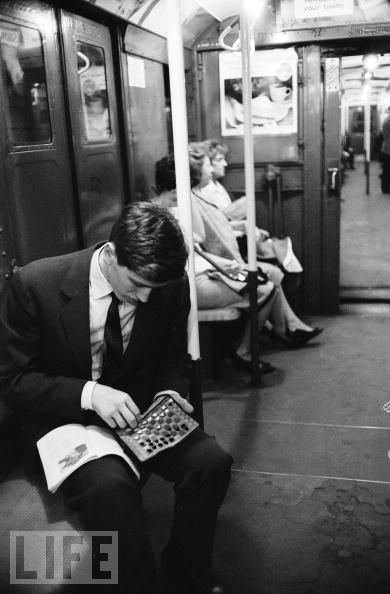 i give 98 percent of my mental energy to chess. others give only 2 percent ― bobby fischer (19) in the subway