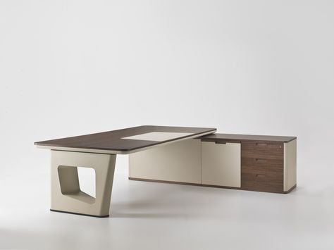 AVATAR L-shaped office desk by i 4 Mariani design Umberto Asnago