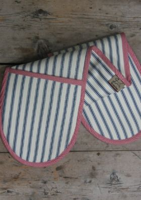 Stylish oven gloves in our classic cotton ticking trimmed with red puppytooth fabric.