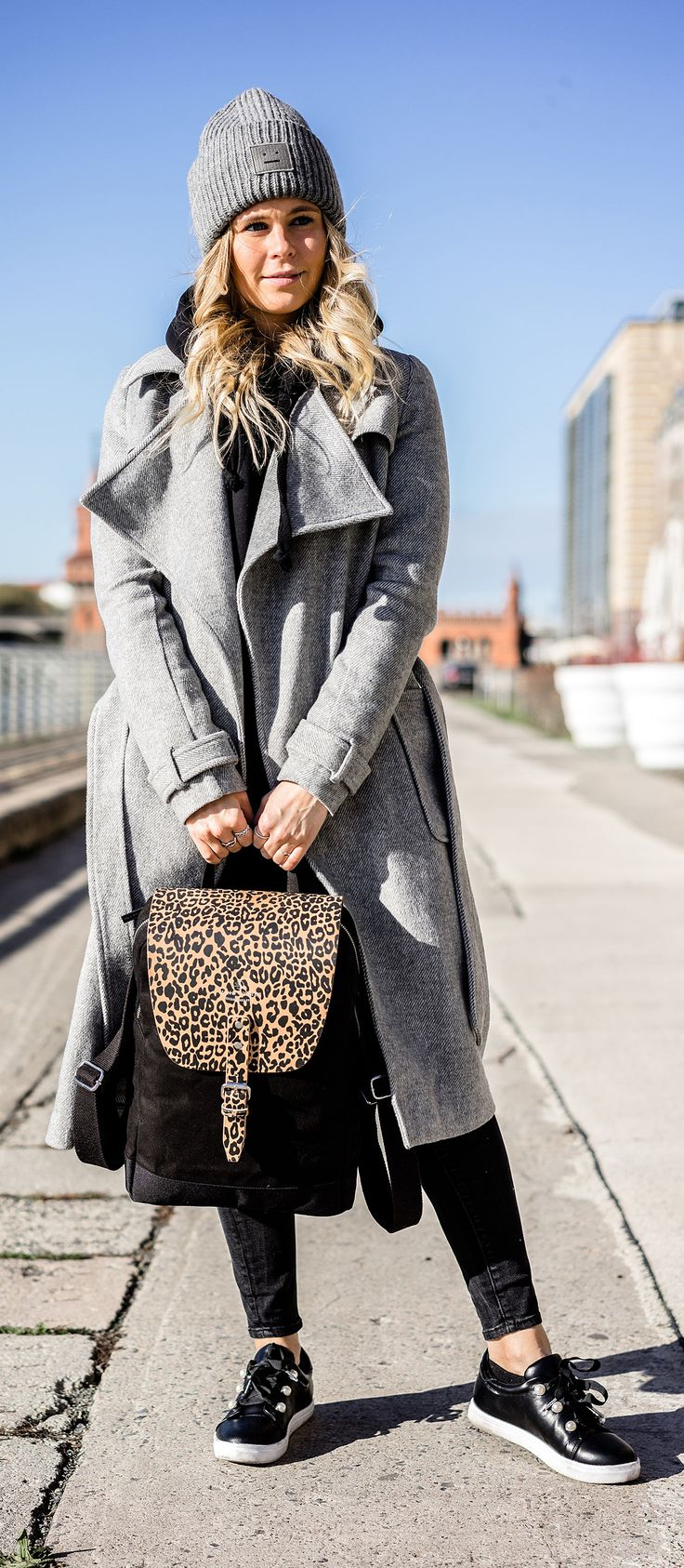 Wind & Vibes Flap Rucksack Mayfair  outfit winter ootd sunnyinga fashion blog blogger
