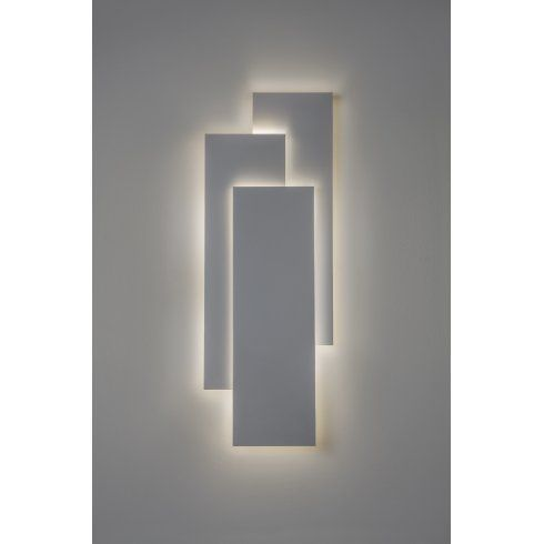 Edge 560 Single Light Flush Wall Fitting In White Finish