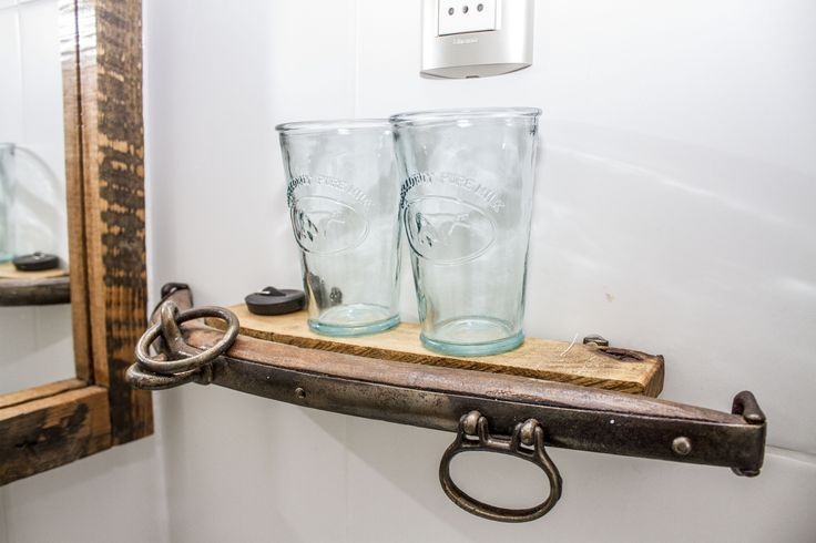 Posa vasos. #baño #hotelboutique #chile #magallanes #travel #puntaarenas