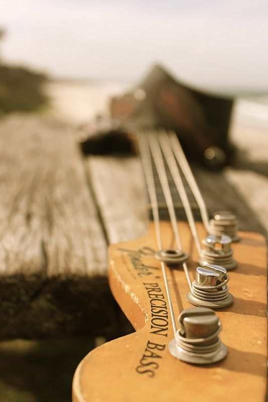 fender precision bass blond body four strings great photo composition with different angle. Black Bedroom Furniture Sets. Home Design Ideas