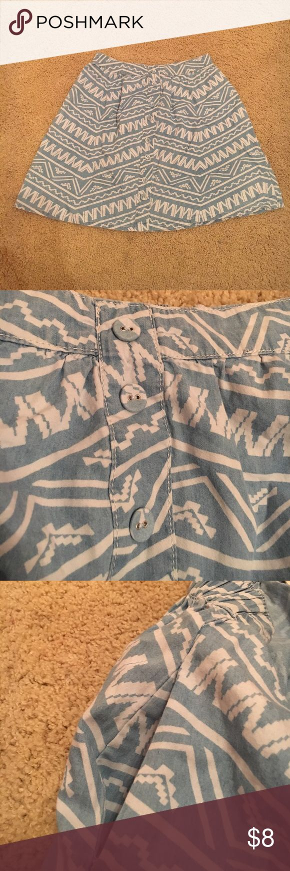 Tribal print skirt Cute tribal pattern skirt with two front pockets and stretchy waist. Mossimo Supply Co Skirts Midi