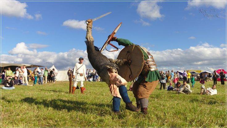 Viking tournament at «Staraya Ladoga is the First Capital of Rus» Festival.  Турнир поединщиков на фестивале «Старая Ладога — первая столица Руси».