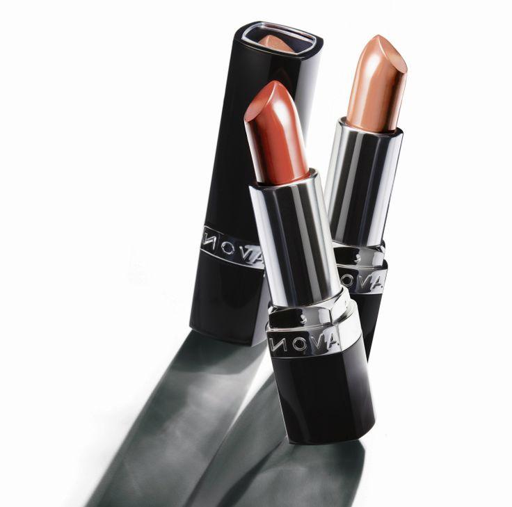 Odkryj maksymalnie nasycone kolory i gładkość nawilżonych ust dzięki nowej szmince Avon Ultra Colour. http://www.avon.sklep.pl/kat/22/makijaz-ust.html