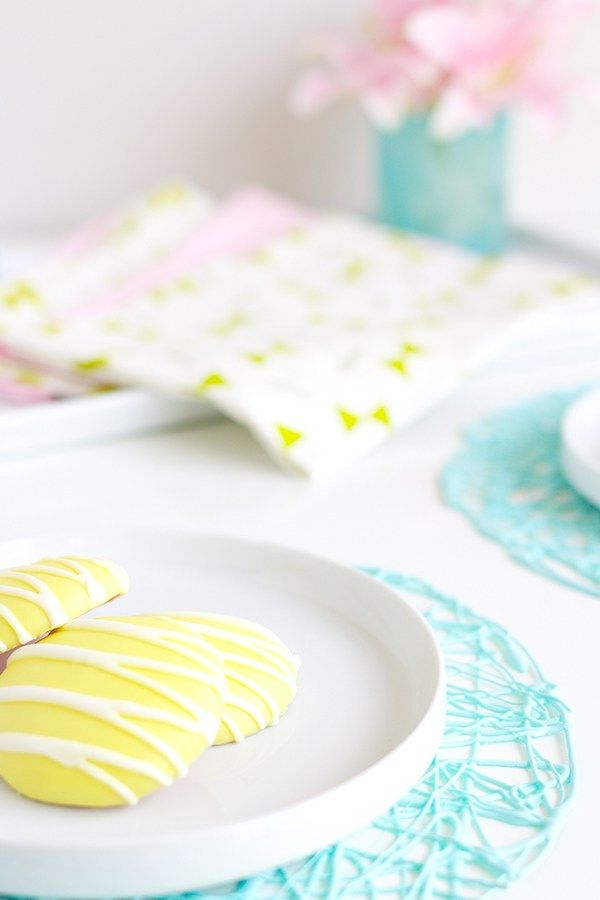 Modern DIY Placemats in less than 10 minutes!