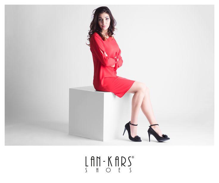 Szpilki zmienne tak jak Ty!  #shoes #stilettos #highheels #black #leather #woman #feminine #sexy #model #red #dress #lankars #photoshoot #shoes #beautiful