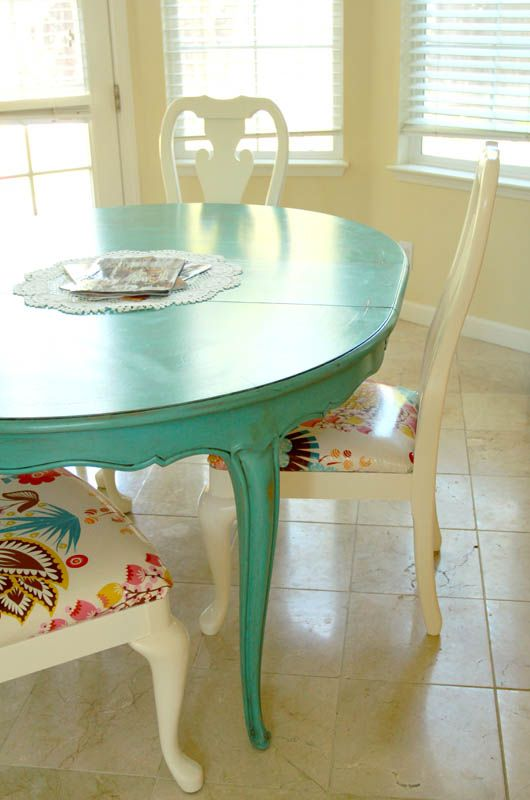 This is what I want to do with my table, but red and then the chairs white! DIY Table and Chairs makeover. This looks super easy and cheap!