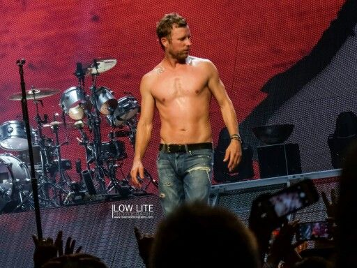 This is What Dierks Bentley Looks Like Shirtless... You're Welcome