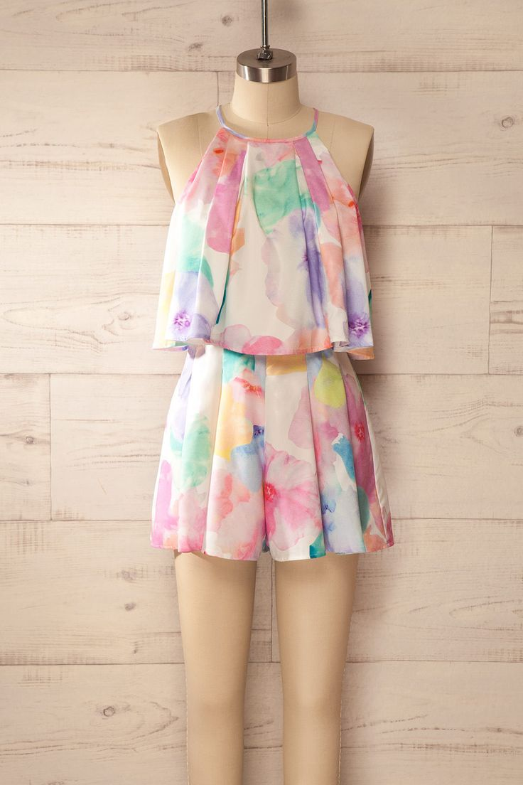 Fluide, fleuri et amusant, ce vêtement illuminera vos journées ! Flowy, floral, and fun, this romper will brighten your day! Flowy floral romper https://1861.ca/collections/products/kiriaki