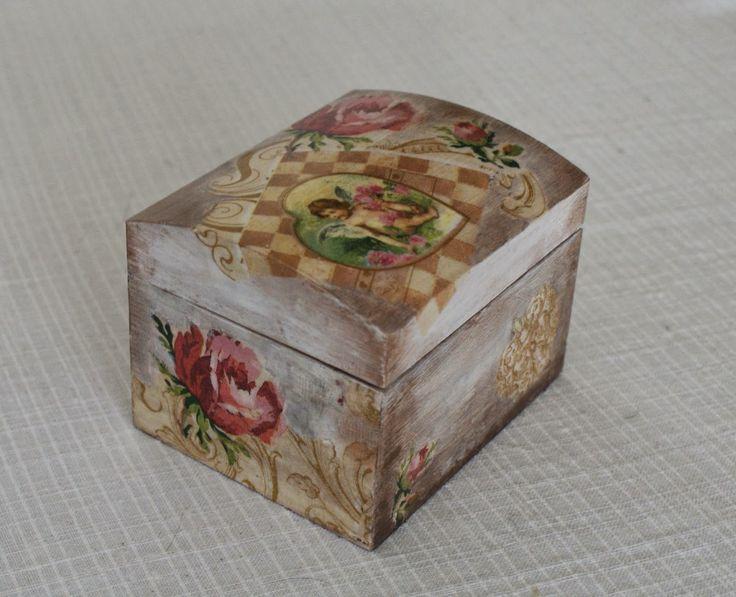 Yvett Art: Mała szkatułka na biżuterię decoupage
