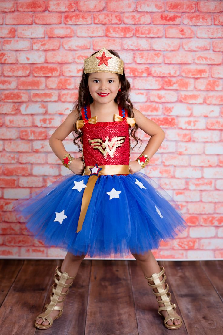 Homemade Wonder Woman Costumes For Kids-8212