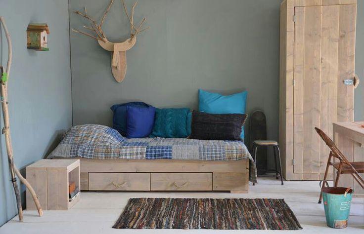 Slaapkamer steigerhout   Steigerhout   Pinterest   Tes