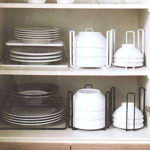 この画像のページは「すっきりキレイにお皿を収納!おすすめ収納術&収納グッツをご紹介♪」の記事の11枚目の画像です。関連画像や関連まとめも多数掲載しています。
