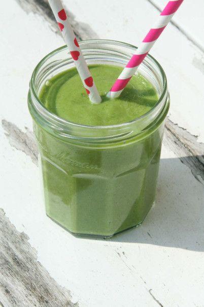 groene smoothie met banaan, avocado en spinazie