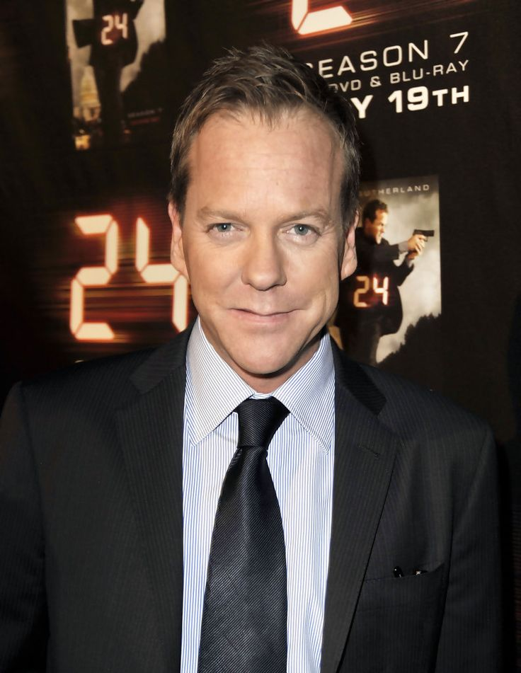 "Kiefer Sutherland Photos Photos - Actor Kiefer Sutherland arrives at the screening of the season finale for Fox's ""24"" at the Wadsworth Theater on May 12, 2009 in Los Angeles. (Photo by Kevin Winter/Getty Images) * Local Caption * Kiefer Sutherland - Screening & Finale For Fox's ""24"" Season 7 - Arrivals"