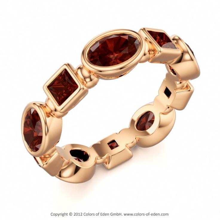 Mozambique Garnet Rose Gold Ring Gloriola