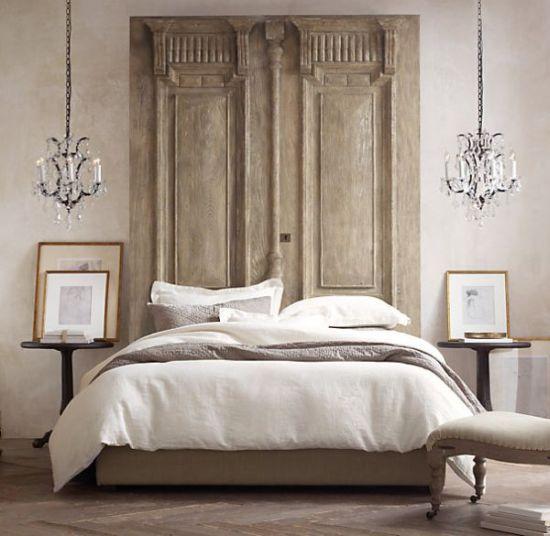 Splendid Bedroom Decor With Two Beautiful Pendant Lamps Www