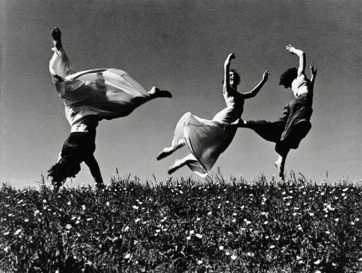 """""""Drei Mädchen"""" by Hannes Kilian 1938 (poignant when you think of the year and what waits ahead for Europe and the world...)"""