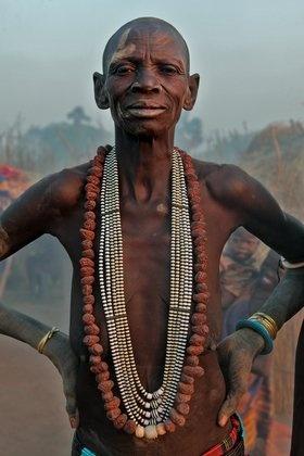 Africa | Portrait of an elderly Dinka woman. Southern Sudan | © Bruno Zanzottera #Africa #African #Dinka