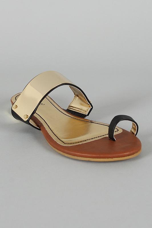 Bamboo Bloom-73 Leatherette Metal Shield Toe Ring Flat Sandal