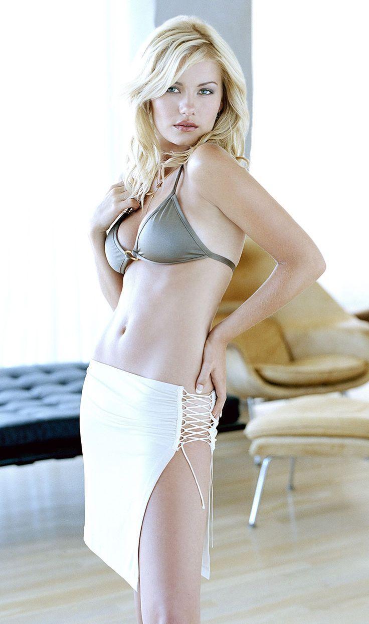 Elisha Cuthbert #ElishaCuthbert #HotCelebs #BlondeBombshells See more at http://www.spikesgirls.com