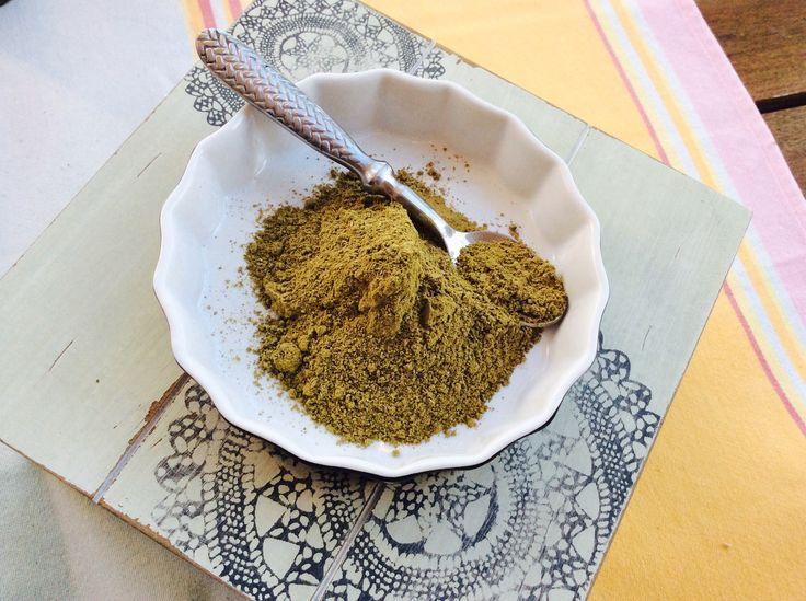 un masque maison pour cheveux gras utilisez largile verte - Masque Argile Cheveux Colors