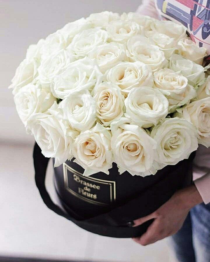 22 best brasse de fleurs flowerbox images on pinterest blossoms white roses in flowerbox mightylinksfo